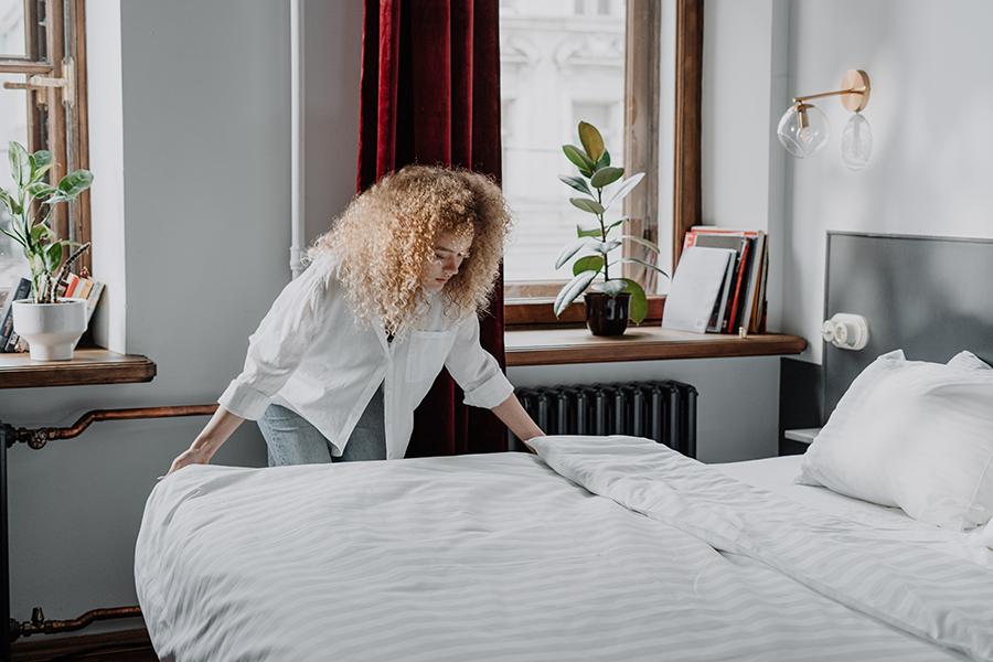 Tips ป้องกันคราบฉี่ คราบสกปรกบนที่นอน