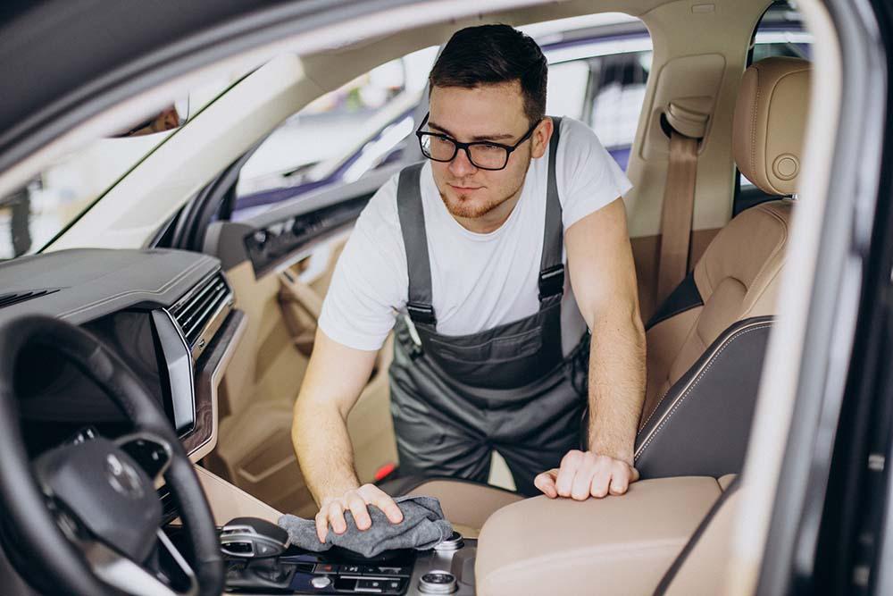 ทำไมต้องทำความสะอาดรถยนต์ กำจัดฝุ่นและฉีดพ่นฆ่าเชื้อ